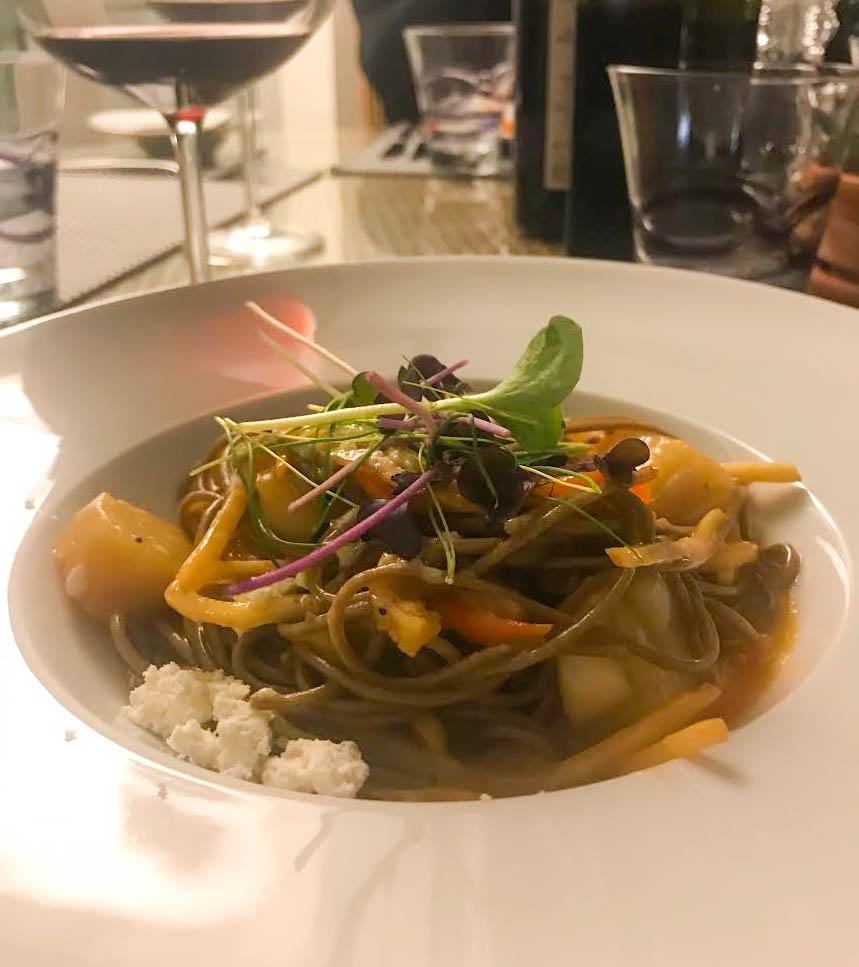 Wok soba noodles