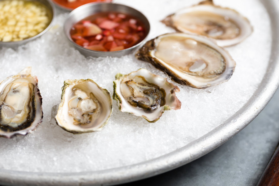 oysters_and_bubbles-2.jpg