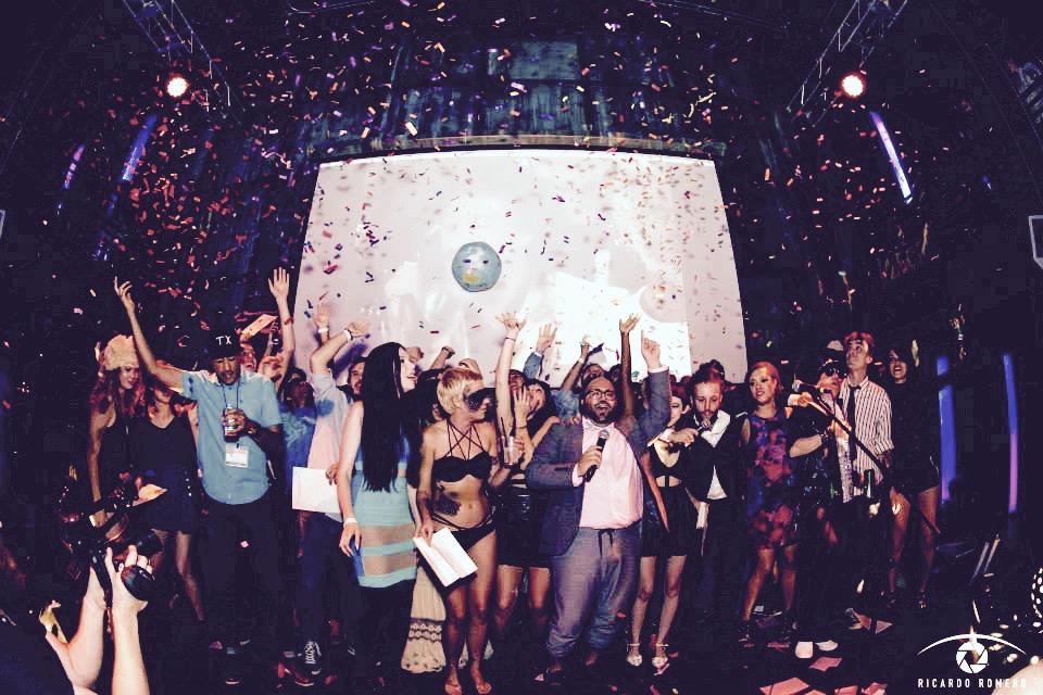 Award show confetti 20125.JPG