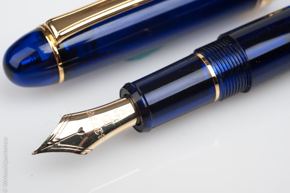 WriteeXperience-Platinum_3776_Century_Chartres_Blue_Fountain_Pen-5.jpg