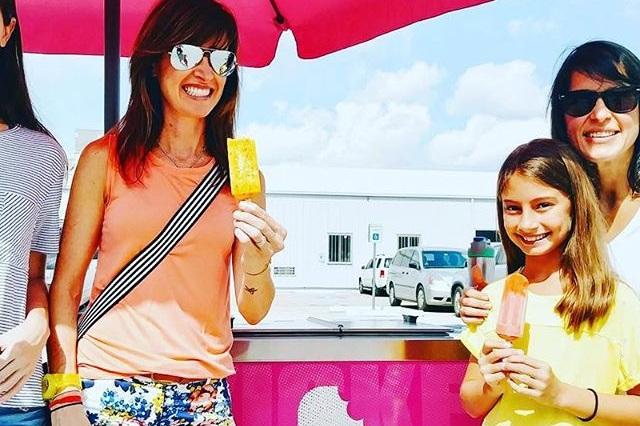 girls_enjoying_popsicle_houston.jpg