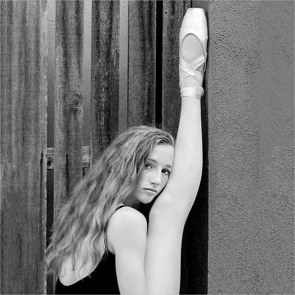 1st place Fall Shoot OutFacesB&W_Ballerina_Scott Wheaton.jpg