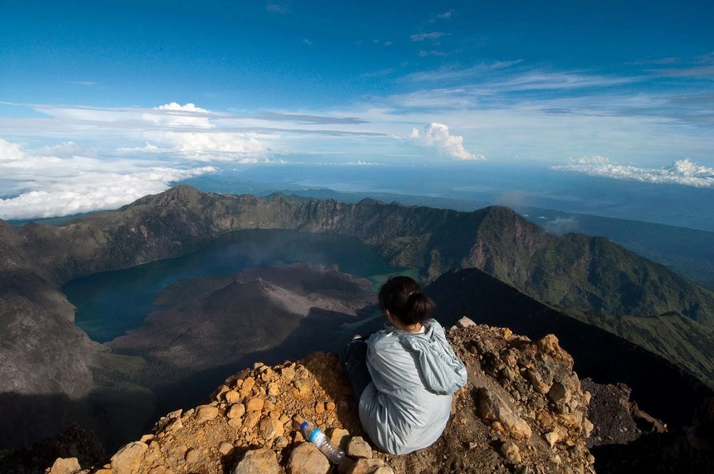 Trekking Rinjani  on  Visual hunt  /  CC BY