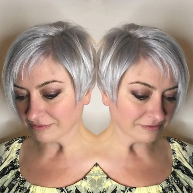 Hit 'em with the angles 💥 . . Color by @traceynaughtonhairstylist  #platinumblonde #hairinspo #vancouverstylist #unite #redavid #shortstyle #blonde #hairlove #shorthairdontcare #ootd #instadaily #instagood