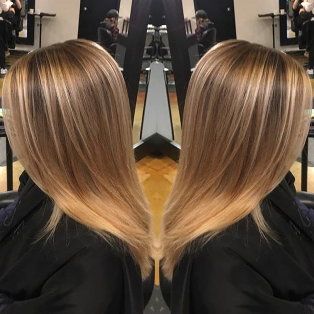 Who else is missing summer right now? We definitely are! 🌞 . . Balayage & Cut by Brooke #balayage #highlights #hairinspo #hairlove #longhair #blondes #yvrhairstylist #beachbabe #goodhair #schwarzkopf #redavid