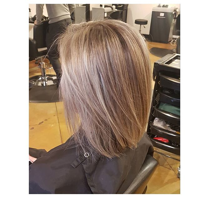 This color melt tho 😍❤ . . . Cut and color by Brooke #vancouver #hairinspo #stylist #blonde #bob #haircuts #colormelt #yvr #yyz #lax #seattle #washington #california  #marketing #shorthair #blend