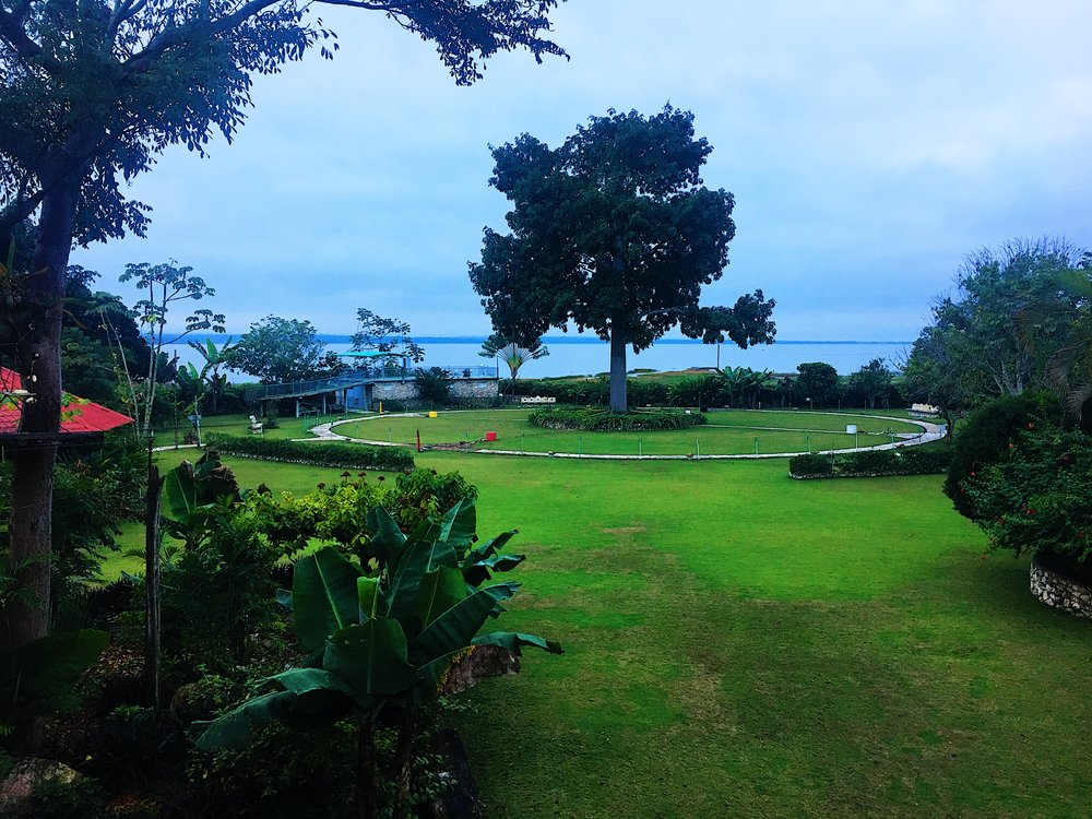 View from the dining room onto the lawn of La Casa de Don David.