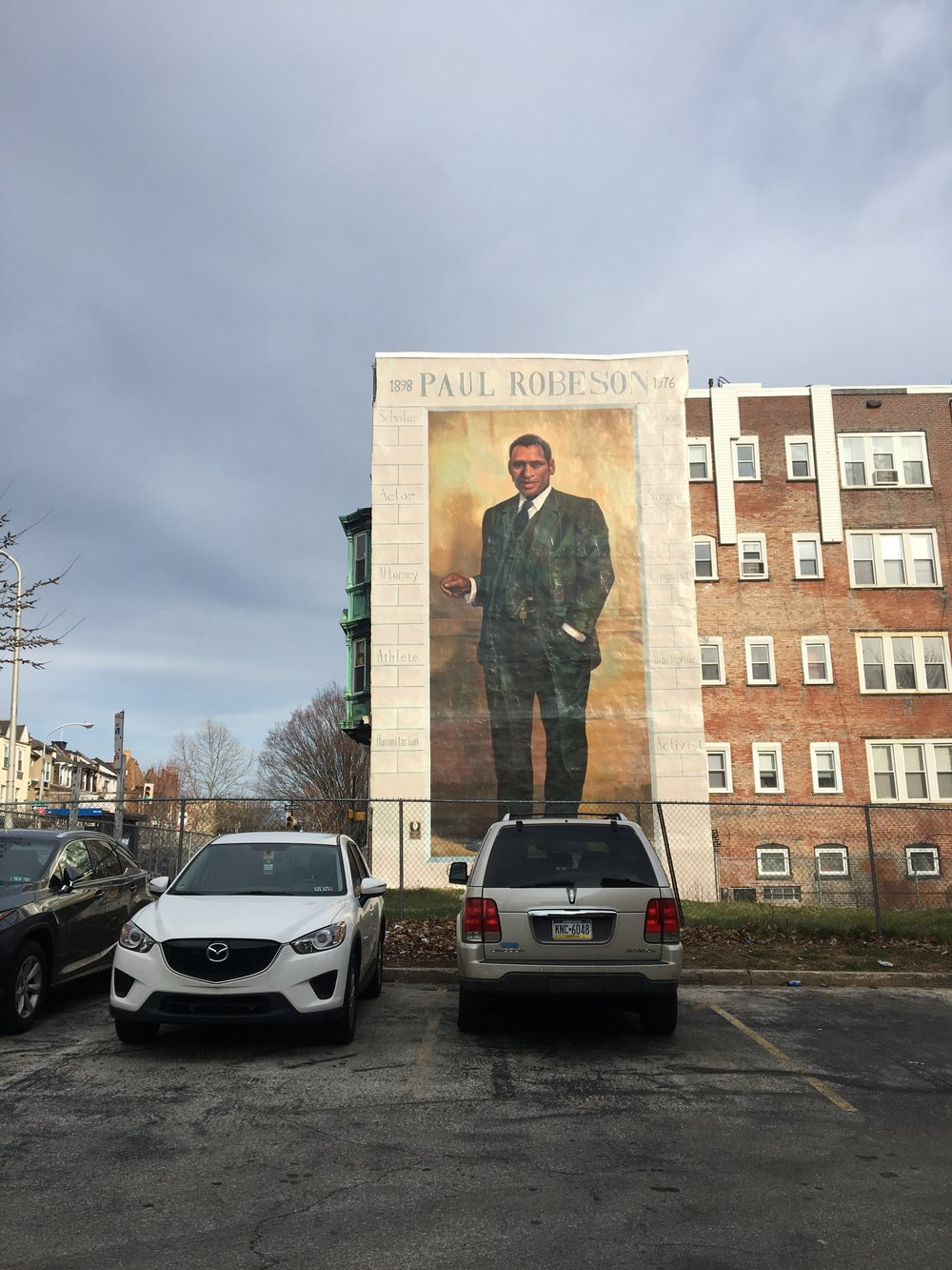 Driving down the street in Philadelphia and i spotted this massive mural on the side of a building. I had to stop!