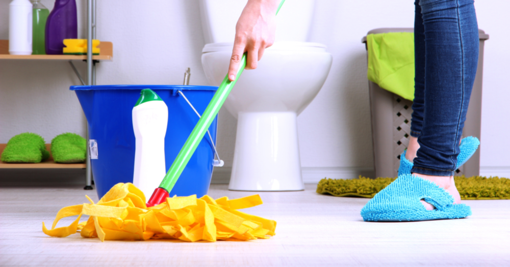 Natural Bathroom Cleaners