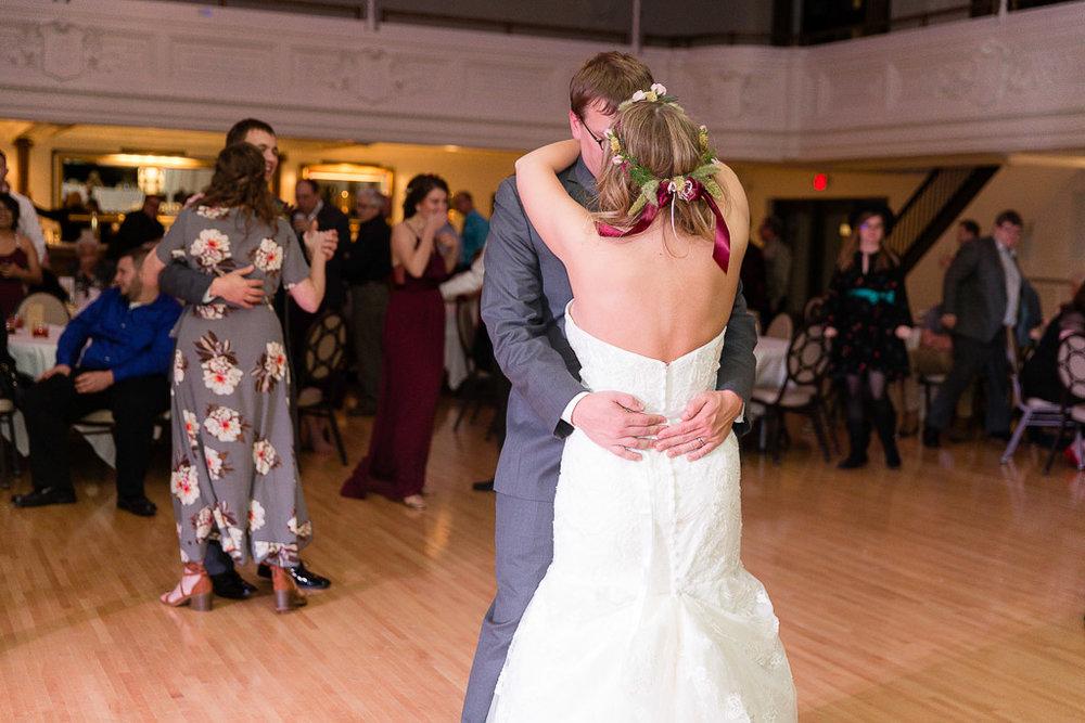 The Howard Oshkosh Wedding Photographer-222.jpg