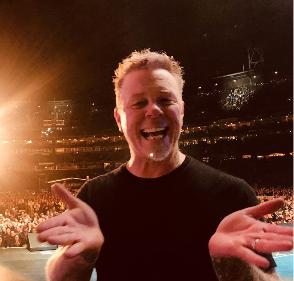 Metallica's James Hetfield right before taking the stage at AT&T Stadium IG: @metallica