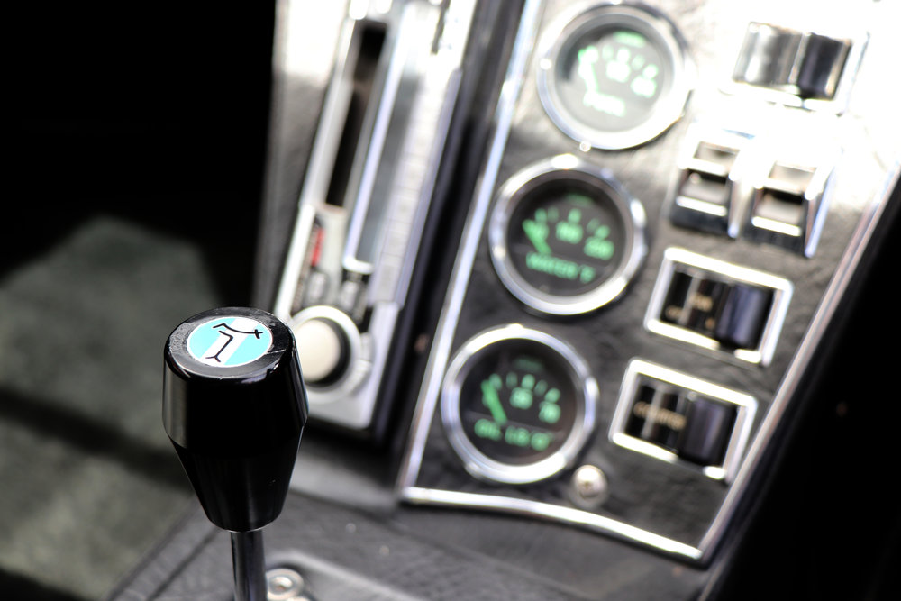 Red Pantera gear stick 1.jpg