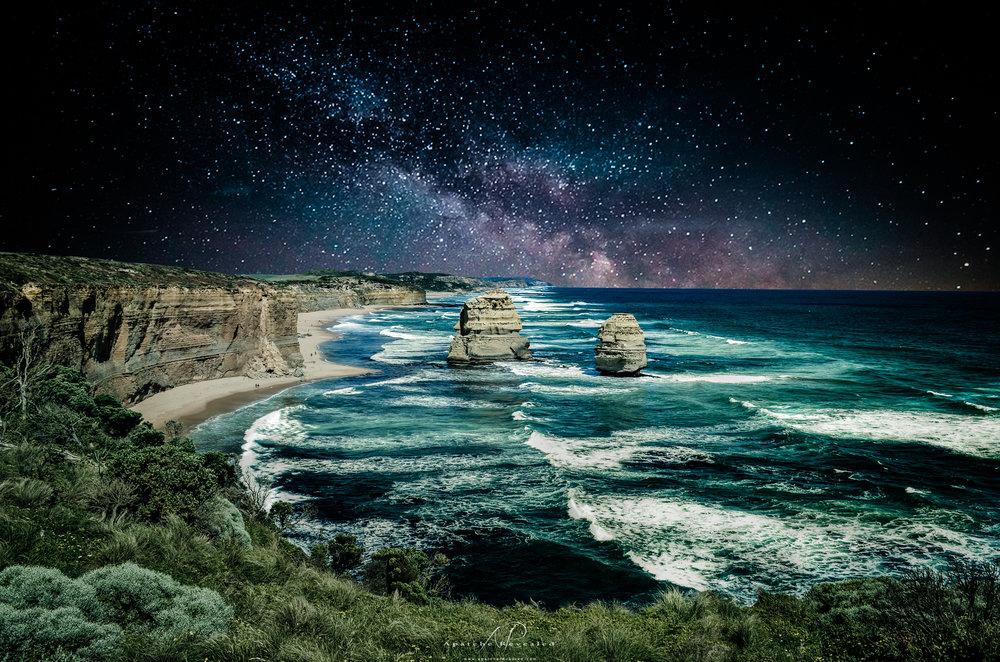 12 apostles night