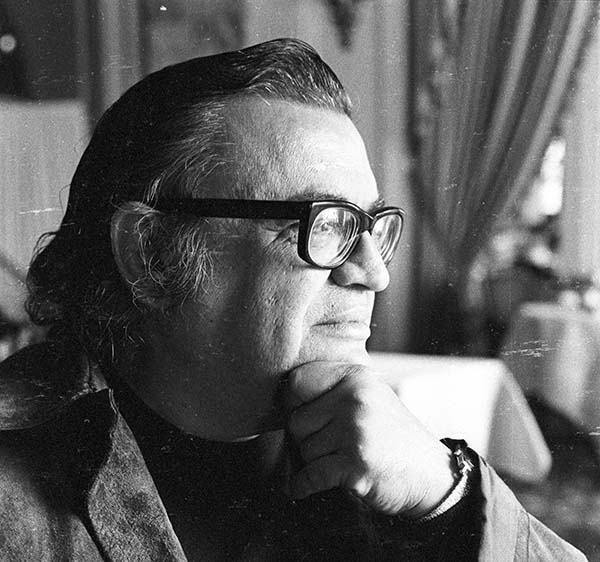 Photograph of Mario Puzo © Jerry Bauer