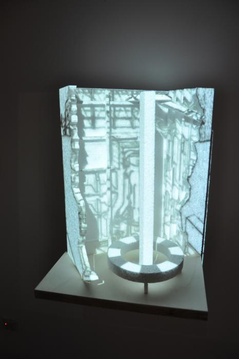 Femke Schaap, Powerplant, 2012, video-installazione,cm 40x40x50.jpg