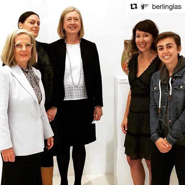 #Repost @berlinglas ・・・ We had a lovely visit @benhadjdjilaligalerie this morning by First Lady of Australia, Lucy Turnbull, and Ambassador Lynette Wood 😊 @ausemb_de @madisynzabel #madeinaustralia #australianow2017 #australianembassyberlin #australiagermany #australianembassyberlin @canberraglassworks @jamfactoryau