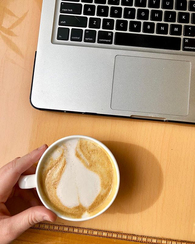 I FINALLY got to try out @twistedcompasscoffee and I got a latte with almond milk and honey and it was delicious! 🤤👌🏻 I am here because I can never seem to get anything done at home, can't help it with Netflix being so readily available 😅 But I am working on some exciting things that I can't wait to share with you all! The Lord has big things in the works for me and this space! Hope you have had a very un-Monday Monday!  #paleoweightwatchers #paleodiet #whole30alumni #paleoish #paleo #paleofoodie #paleofoodblogger #jaxfoodie #jaxfoodblogger