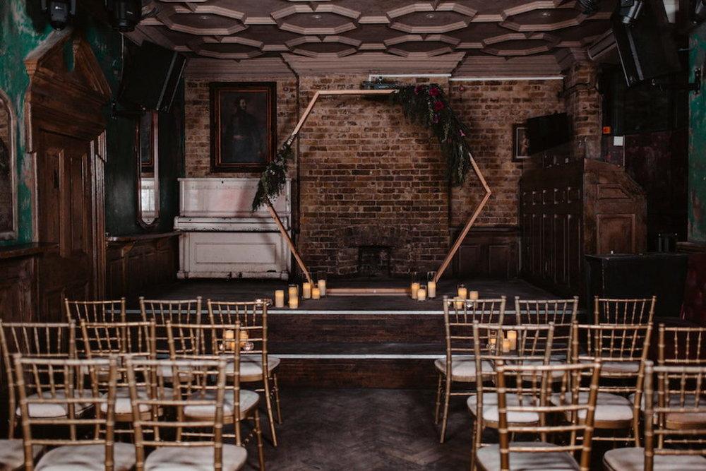 shabby-chic-london-wedding-venue-inspiration-47-1024x683.jpg