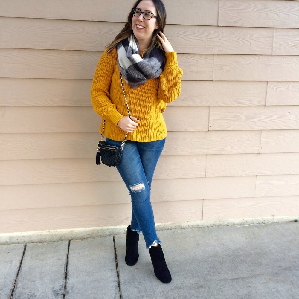 For my last look I accessorized with pops of black and white, chunky heeled black booties, a black cross body purse, and a black and white checkered infinity scarf! This look would be perfect for a casual Thanksgiving!