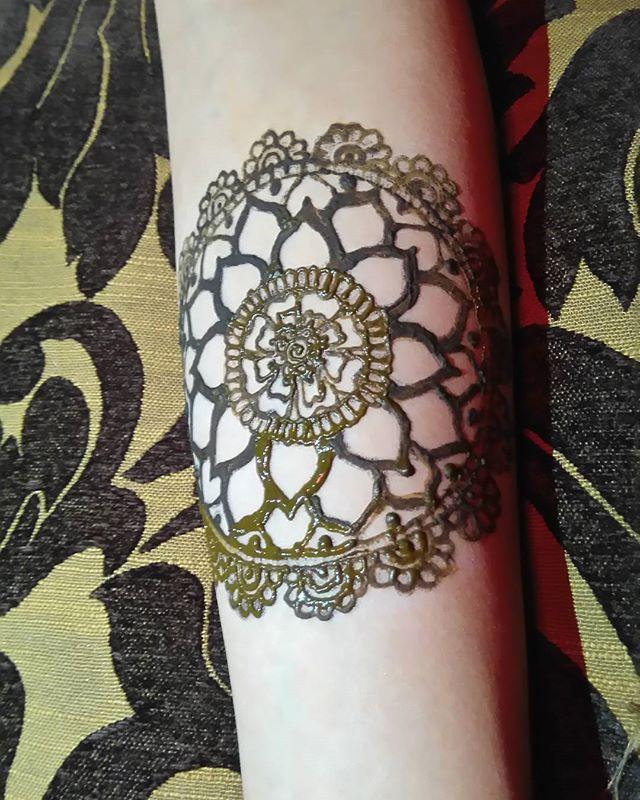 #thebin #bodyinknarrative #fun #creative #artistic #friends #henna #jagua #nightlife #instagood #bodyart #art #social #tattoo #events