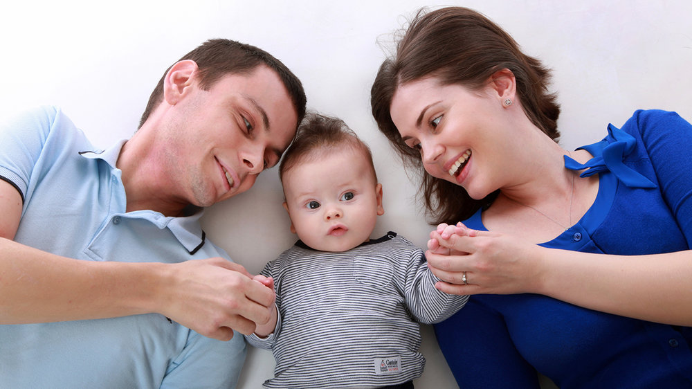sm family-toddler-hapy-happy-160688.jpg