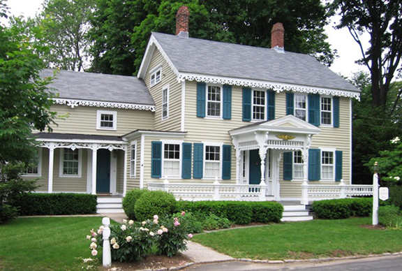 8 x 5 Gingerbread_House_Essex_CT.jpg