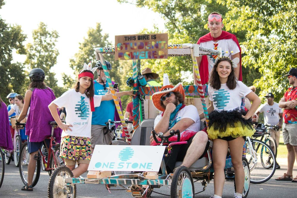 tourdefat-parade-2017-2.jpg