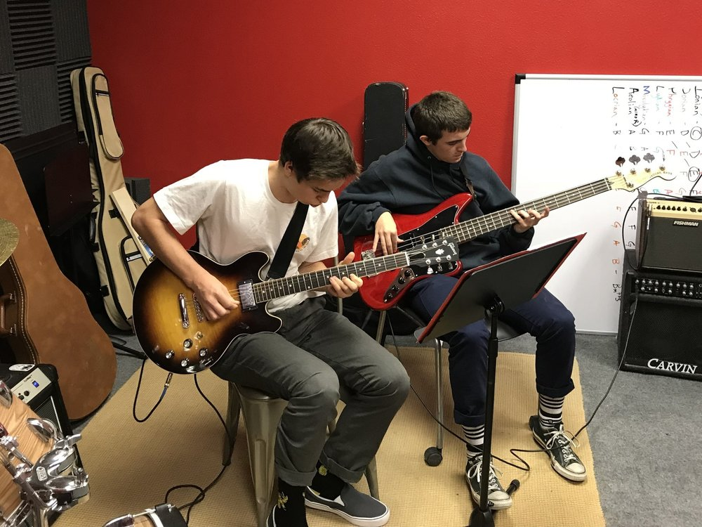 Instruments - Within our acoustically-treated space, we have two acoustic guitars, two keyboards, an electric bass, and a full drum kit for use at no extra cost.
