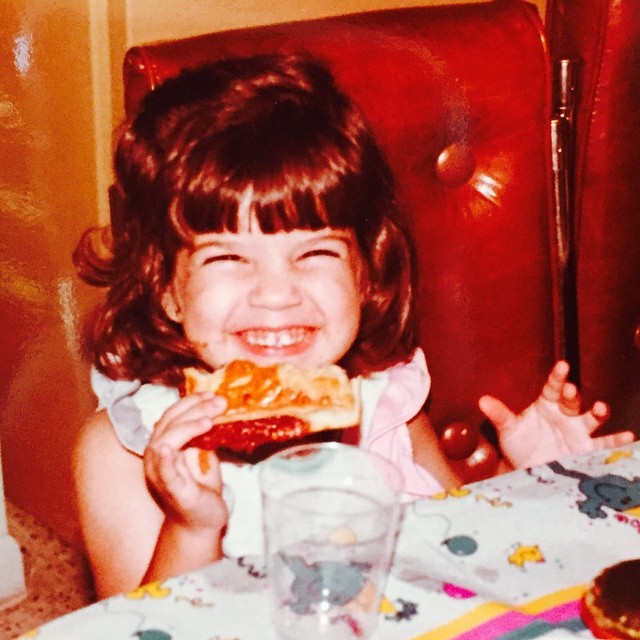 Happy girl ;) pizza face. Love random pics sent from mi primi. This one made me smile.