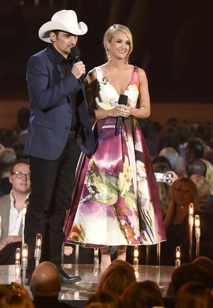 carrie-underwood-cmas-3-2015-today-151105_833f7d7dfe359725524edac6977213f0.today-inline-large.jpg
