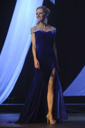Miss Oakland County 2013 Makayla McCoskey, competing in Evening Wear for Miss Michigan 2014.