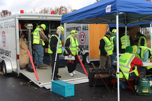 cert-logistics-drill-oct-2015-equipment-deployment_500x333.jpg