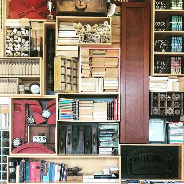 Close-up of the bookshelf wall at the Commodore Hotel in Astoria. It sparked a conversation with my friends about buying books for strictly decor reasons, like the ones here with their spines in. Any thoughts? . . #thebookshipproject  #bookshelfdecor