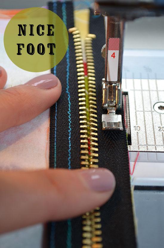 1-Zipper-Foot
