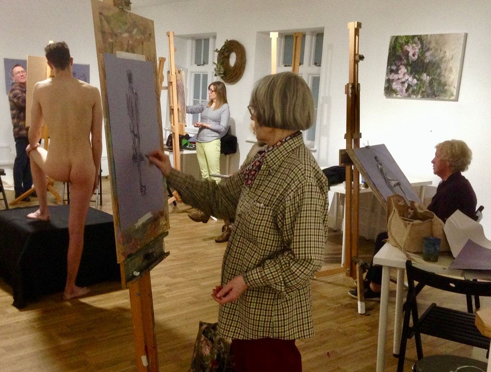 Life Drawing - June no evening classes due to Bucks Art WeeksWednesday 24 JulyWednesday 21st August