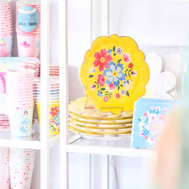 Add a pop of color to your next party! These plates are a staff favourite! 💛