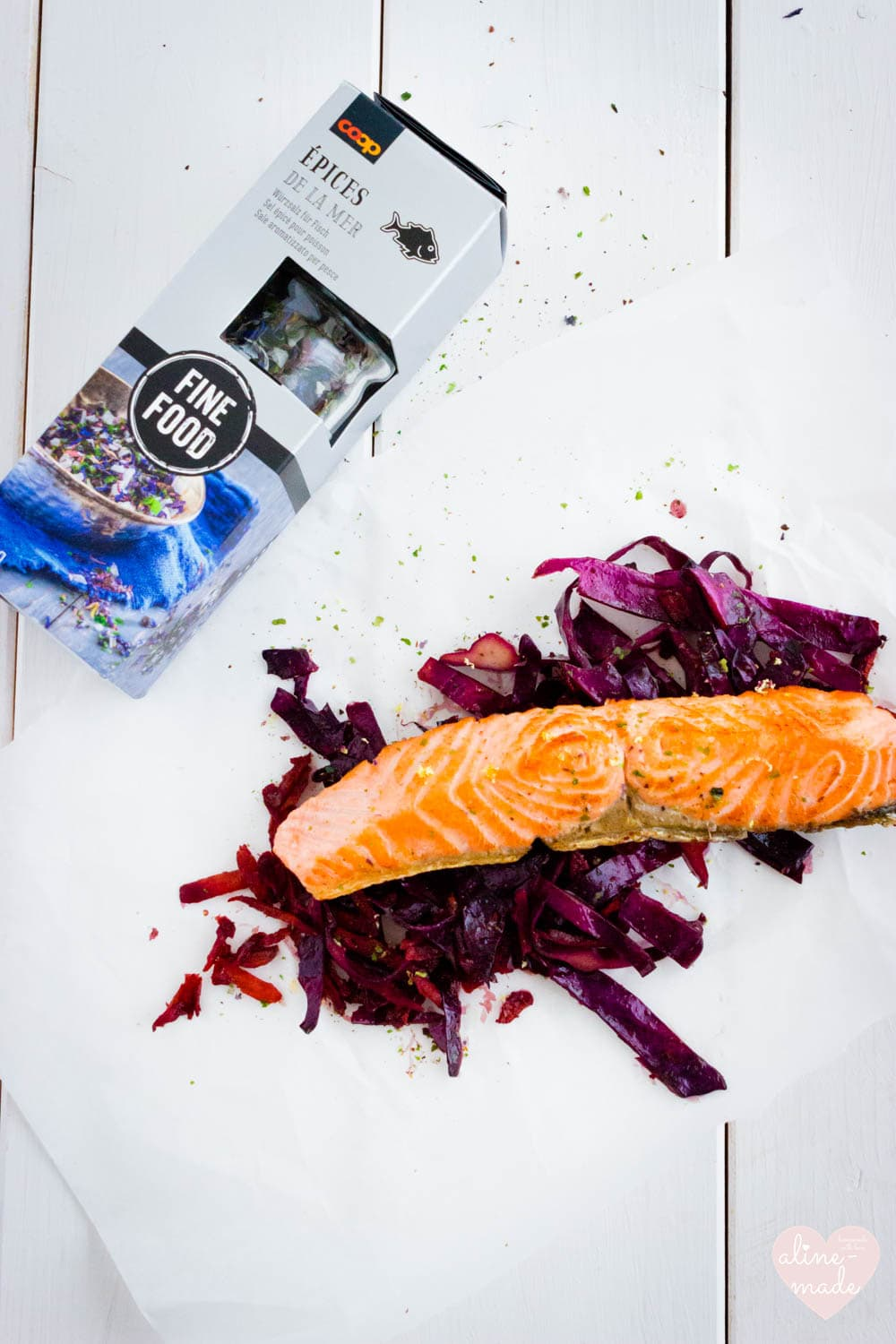 Salmon fillet on braised balsamic red cabbage - 1 Person - 30 Minutes