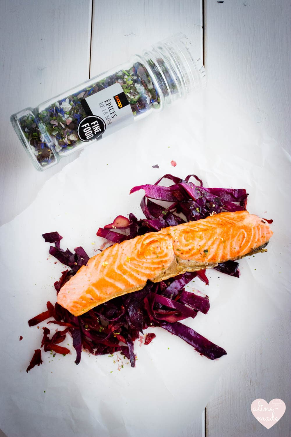 Salmon on braised balsamic red cabbage - With Épices de la Mer from Coop Fine Food!