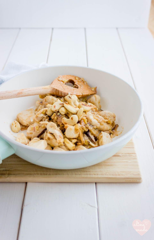 Velvet Chicken with Cashew Nuts - Serves 2 - 30 Minutes