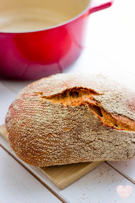 No-knead Bread - Super crispy bread crust due to the use of malt powder