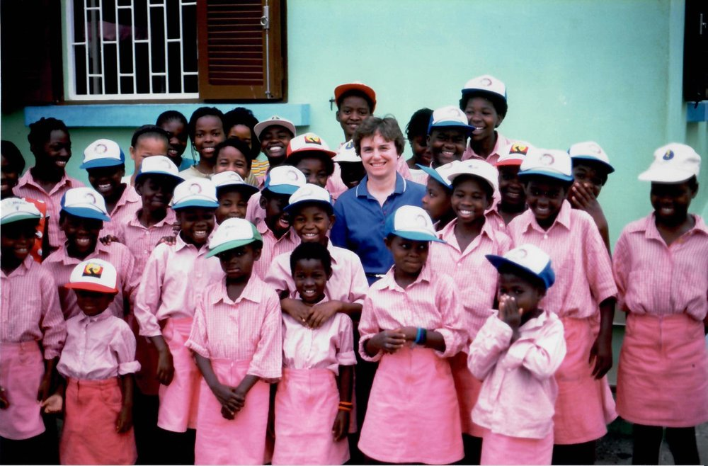 Angola Girls' School (1996)