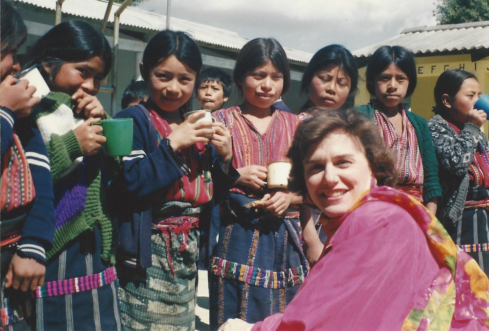 Children in school with WFP nutritional drinks - Guatemala (1993)