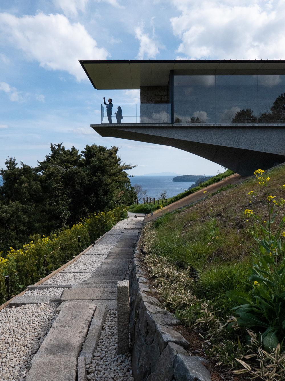 - Hiroshi Sugimoto making waves in architecture