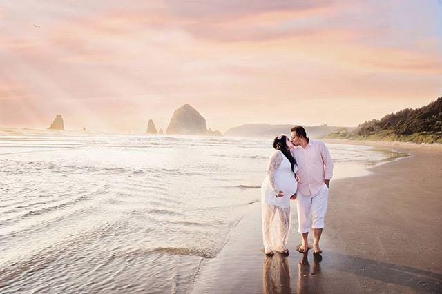 Maternity Beach Photography off the Oregon Coast. #pnw #pacificnorthwest #beachphotography #portraitphotography #oregon #washington #nikon #pastel #pregnancy
