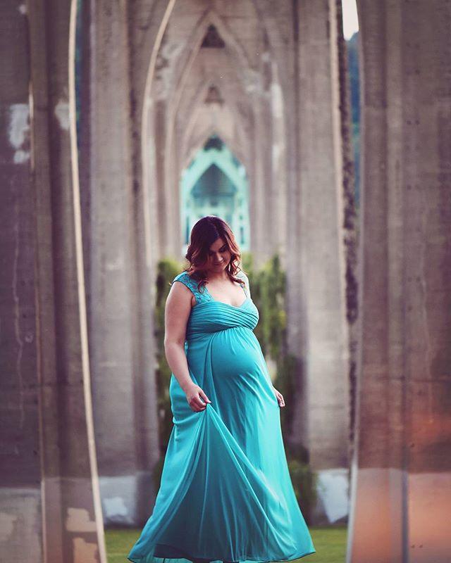 Beautiful Maternity Portraits under the lovely St John's bridge. #pdxphotographer #maternityphotographer #maternity #newbornphotography #oregonphotographer #stjohnsbridge #stjohns #portrait #bridges