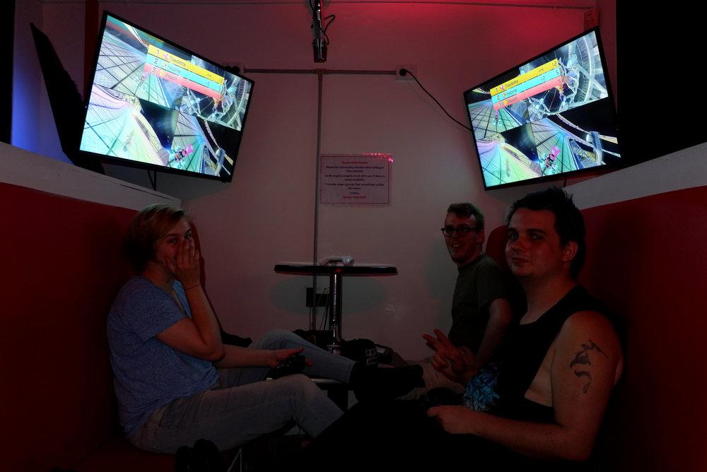 gamers 2.jpg