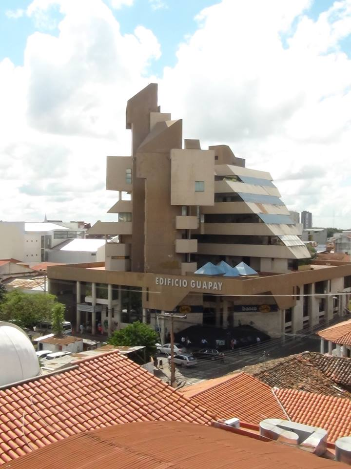 Edificio Guapay. Diseño de Sergio Antelo Gutiérrez, 1998-2000. Foto: Victor Hugo Limpias, 2018.