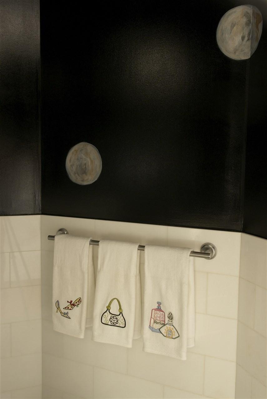 Hoffman-Guest-Bath-2-855-x-1278.jpg