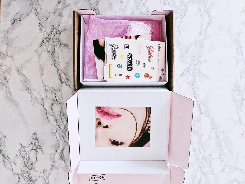 packaging_glossier