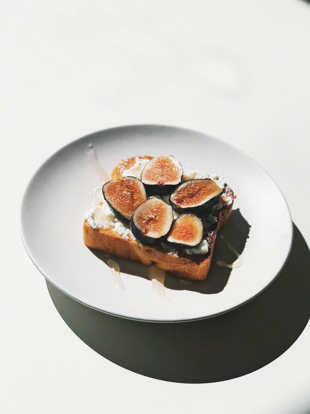 Fig, Ricotta, and Honey Toast